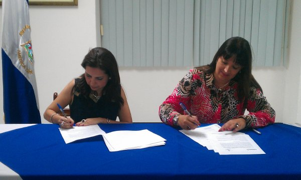 FUNIBER – Nicaragua: Firma de convenio Conicyt