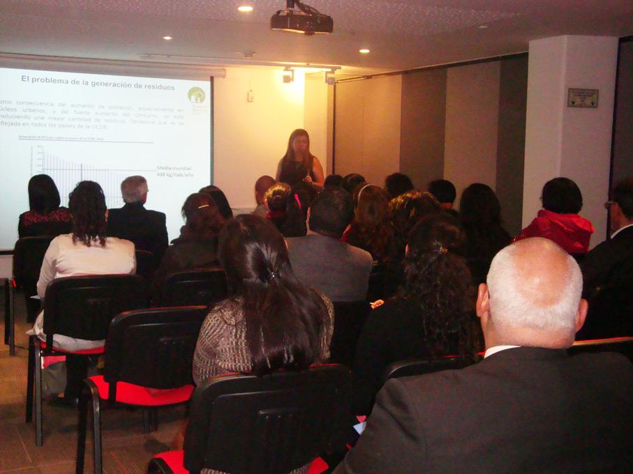 FUNIBER Colombia organiza una jornada sobre la gestión de residuos urbanos