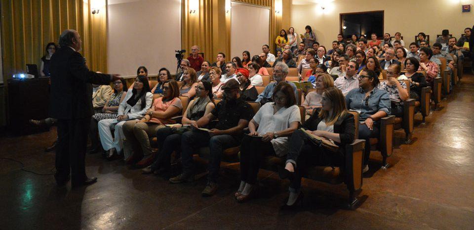 FUNIBER realizó la Conferencia sobre las obras «La Melodía Ácida» y «La Vida es Sueño» de Joan Miró y Salvador Dalí en Honduras