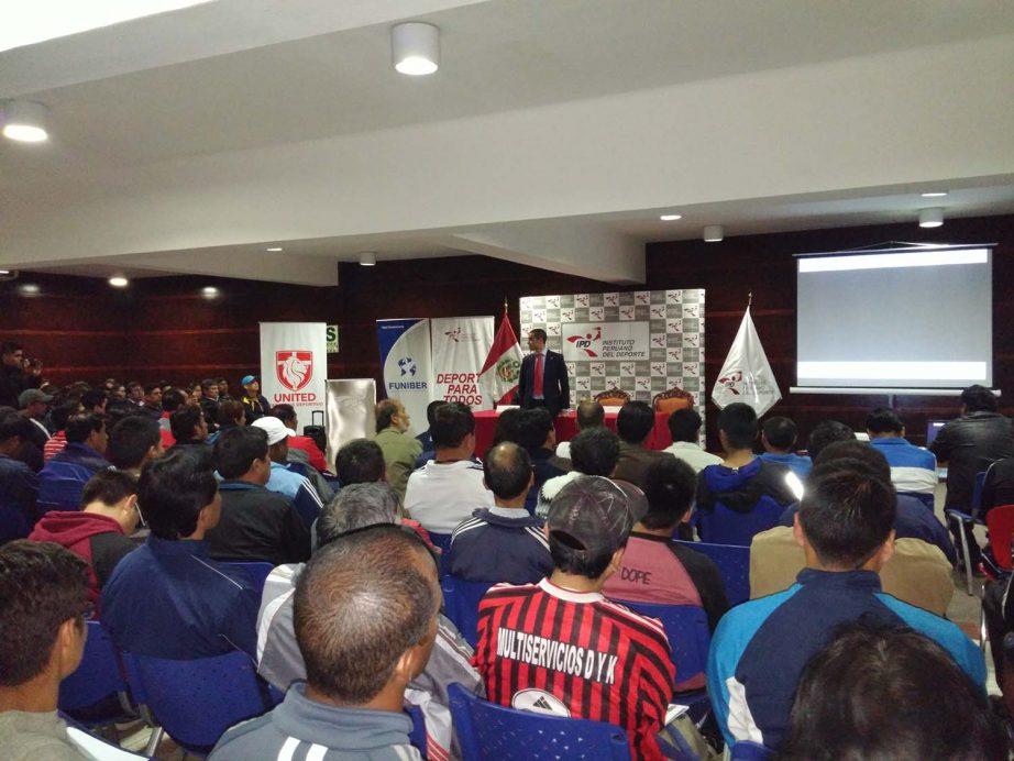 FUNIBER realiza conferencia de Educación Física en Perú