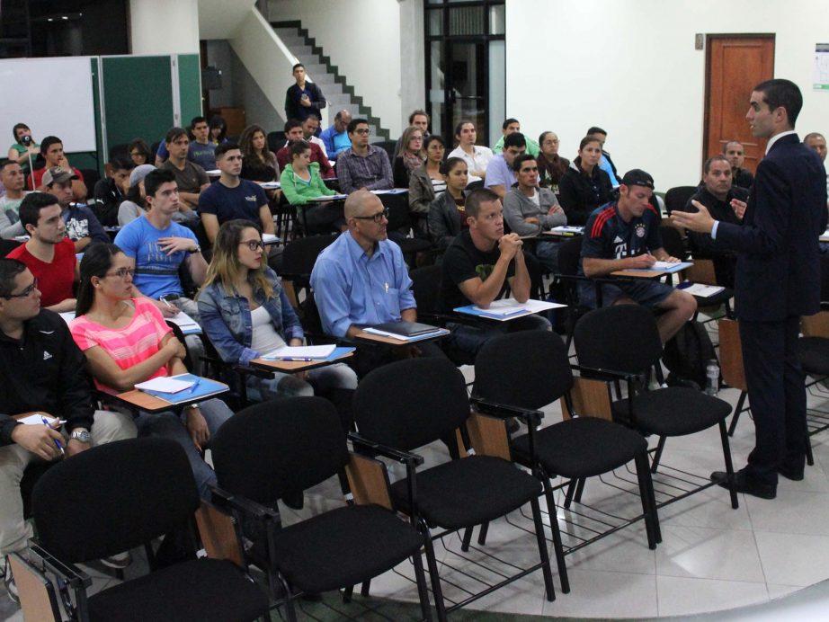 """FUNIBER realizó la Conferencia """"Importancia del entrenamiento invisible en el deporte"""" en Costa Rica"""