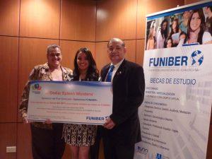 FUNIBER entrega el primer premio del FUNICONCURSO Opiniones FUNIBER