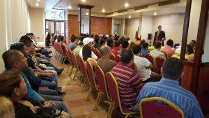 Antonio Bores impartió Conferencia para docentes de Educación Física en San Pedro Sula Honduras)