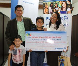 "FUNIBER entrega el premio a la segunda clasificada del FUNICONCURSO ""Opiniones FUNIBER"""
