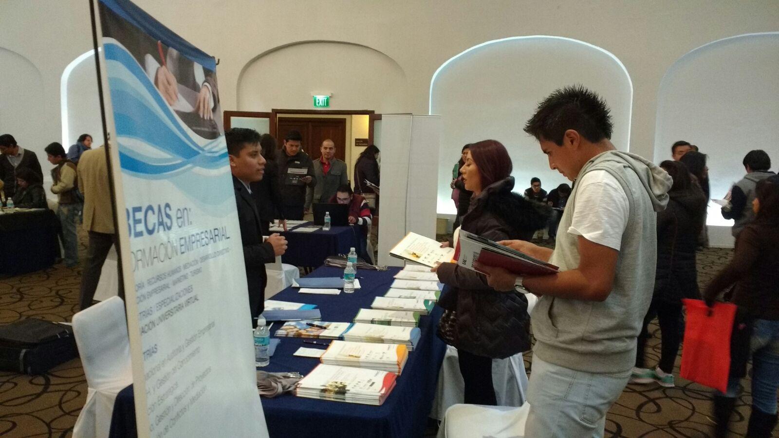 Gran acogida del Programa de Becas de FUNIBER en la FIEP de México