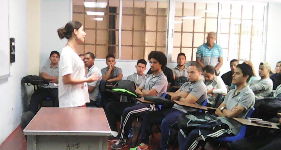 FUNIBER realiza conferencia sobre actividad física en la Universidad Especializada de las Américas en Panamá