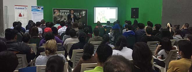 Conferencia sobre comunicación online para alumnos de la Universidad Católica Boliviana San Pablo