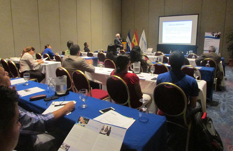 Convocatoria de Becas de Doctorado 2016 presentada en El Salvador