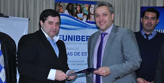 FUNIBER firma convenio de becas con la Municipalidad de Fernando de la Mora (Paraguay)