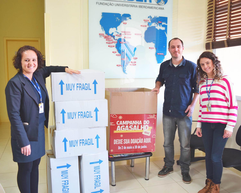 """FUNIBER entrega la ropa recogida para la """"Campaña de invierno 2016"""" en Brasil"""
