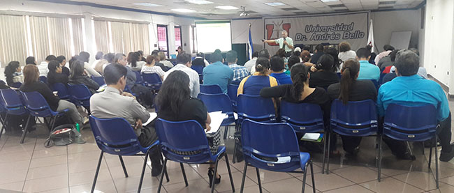 FUNIBER presenta los programas de Doctorado en la UNAB en El Salvador