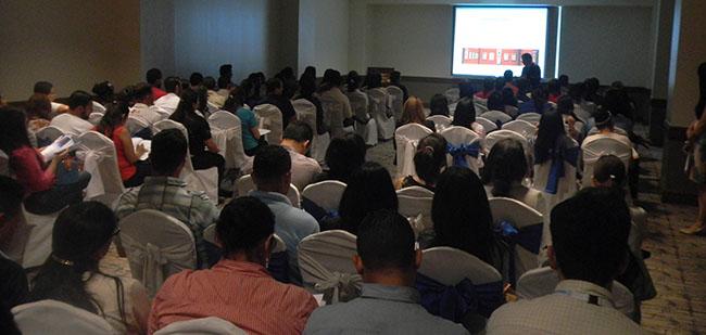FUNIBER presenta los programas de Postgrado a profesionales del Hospital María en Honduras