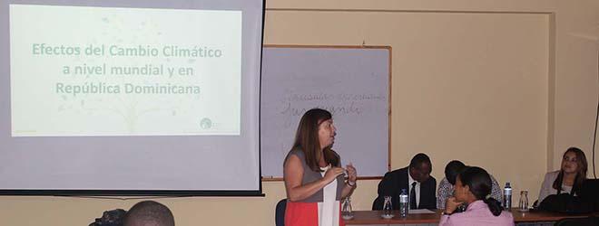 Conferencia en Bolivia para profesionales en el área de Medio Ambiente sobre cambio climático