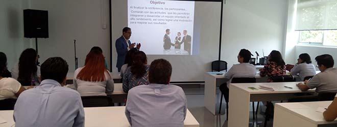 Equipo de comerciales de FUNIBER México en constante formación y actualización