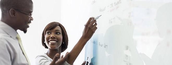 """FUNIBER organiza en Mozambique la conferencia """"Desafíos de la Educación en África"""""""