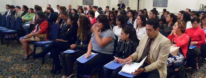 Éxito de asistencia a la conferencia de Juan Luis Martín sobre acoso escolar en Guatemala