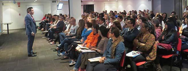 Gran éxito en Colombia de la conferencia sobre nutrición del Dr. Guillermo Rodríguez Navarrete