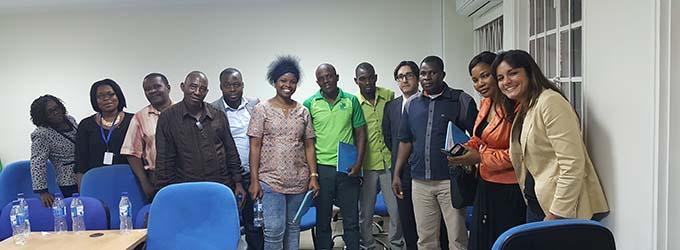 Alumnos de Mozambique asisten a la conferencia de FUNIBER en Beira