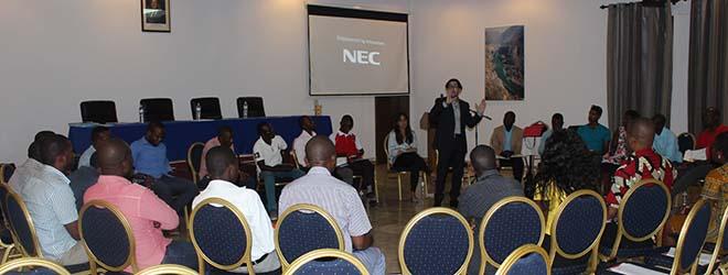 """Finaliza con éxito el ciclo de Conferencias """"Desafíos de la Educación en África"""" en Mozambique"""
