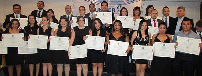 FUNIBER celebra en El Salvador ceremonia de entrega de títulos