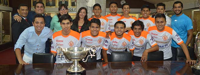 FUNIBER participa en la entrega de trofeos del equipo de Futsal del Club Universitario de Deportes