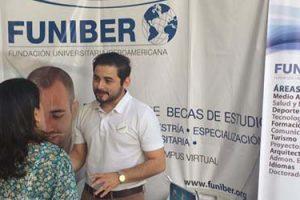 Programa de Becas de Formación de FUNIBER presentado en El Salvador en la Feria de COMEDICA