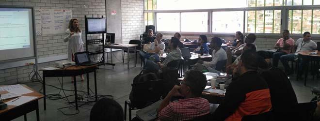 Convocatoria de Becas de Formación de FUNIBER realizada en Medellín