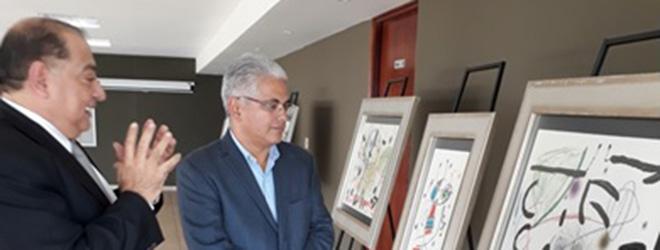 Alcalde de Panamá visita la exposición de Miró patrocinada por FUNIBER
