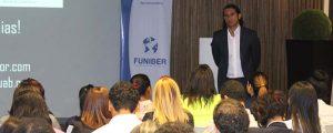 Gran éxito de convocatoria en la conferencia de Santiago Tejedor organizada por FUNIBER en Santo Domingo
