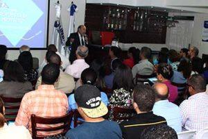Masiva asistencia a la conferencia en Santo Domingo sobre cómo elaborar proyectos