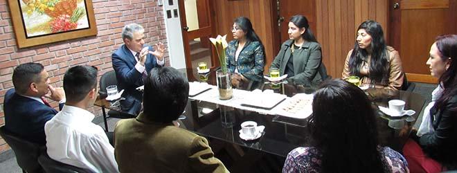 Presidente de FUNIBER se reunió con alumnos becados de Perú que iniciarán estudios en UNEATLANTICO
