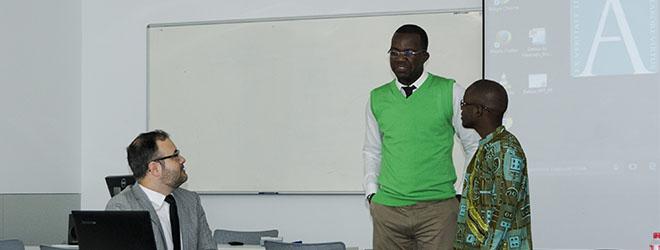 Dos alumnos angoleños becados por FUNIBER viajan a Santander para defender su proyecto final de Máster presencialmente.