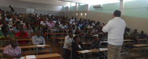Profesor de UNINI México imparte conferencia en Mozambique