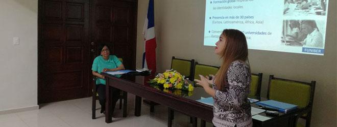 FUNIBER realiza sesión informativa para los docentes de UTESA