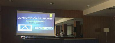 alvaro-velarde-imparte-ponencia-sobre-prevencion-de-lesiones-en-barcelona-espana