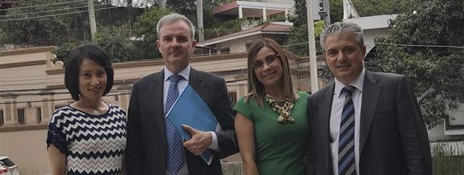 La Fundación Universitaria Iberoamericana (FUNIBER) se reunió el pasado 21 de julio con el embajador de España en Honduras, Guillermo Kirkpatrick