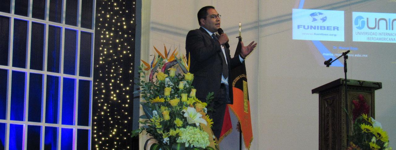 Profesor de UNINI México imparte conferencias en Perú y Colombia