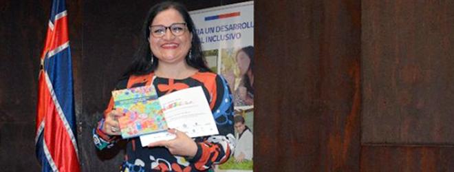 Alumna becada por FUNIBER participa en el I Seminario de Educación Inclusiva en la UNAB