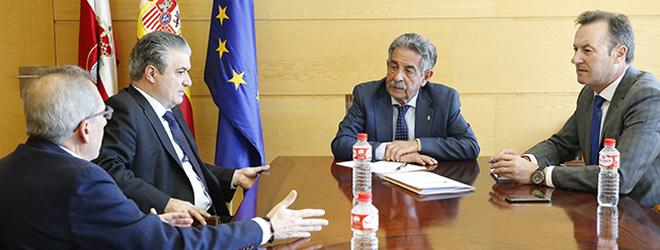 El presidente de Cantabria, Miguel Ángel Revilla valora el trabajo desarrollado por FIDBAN