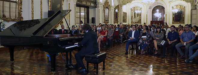Fascinantes conciertos del pianista José Luis Nieto en Perú