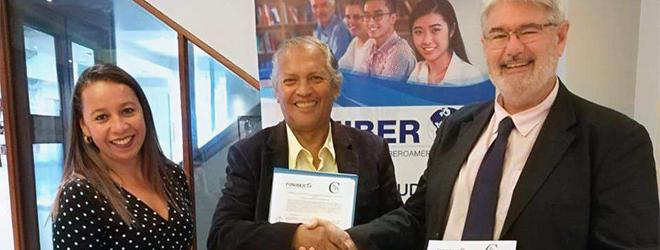 FUNIBER y el Colegio de Profesores de Región Arequipa firman un convenio