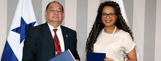 FUNIBER y la alcaldía de Panamá firman acuerdo de colaboración