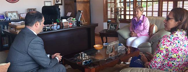 Ex presidenta de Panamá recibe al rector de UNEATLANTICO