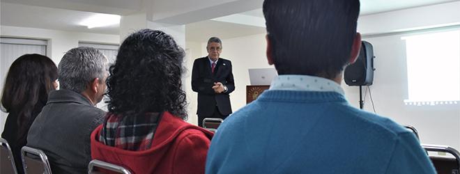 El Dr. Fermín Ferriol ofrece conferencia en Ecuador sobre Proyectos Sociales e Investigación