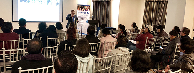 Magistral conferencia del Dr. Marco Rojo en Quito