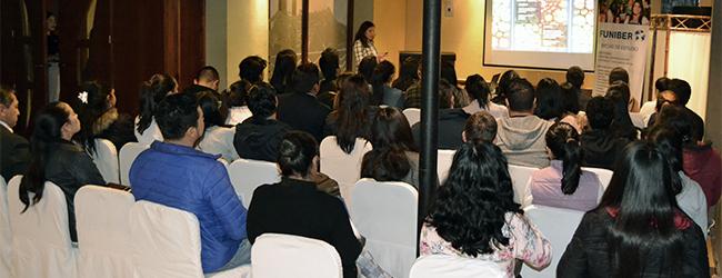 La Dra. Mariel Colmán imparte magistral conferencia en Riobamba