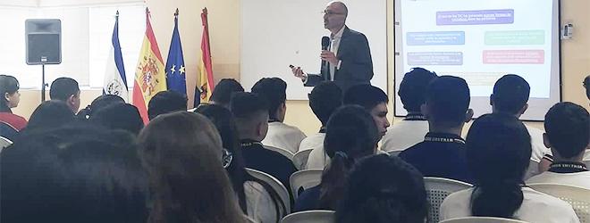 El Dr. Juan Luis Martín imparte en El Salvador conferencia sobre la Importancia de la familia en el desarrollo psicológico infantil
