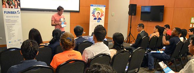 El Dr. Aurelio Corral imparte conferencia en Ecuador sobre la prevención de lesiones