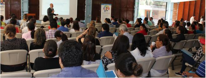 Éxito de asistencia a la conferencia en el colegio Centroamérica de Managua