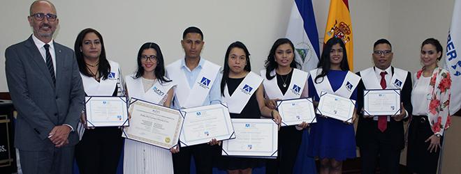 Estudiantes becados por FUNIBER celebran acto de entrega de títulos en Nicaragua